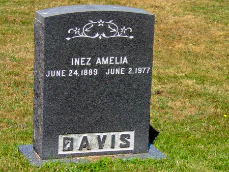 Headstone of Inez Amelia Davis: June 24, 1889 - June 2, 1977